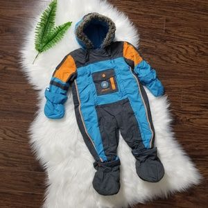 Gusti |Toddler One Piece Snow Suit Mittens Booties